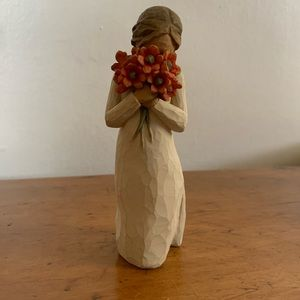 WILLOW TREE SURROUNDED BY LOVE FIGURINE W/BOX